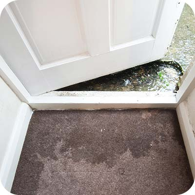 Indoor flooding that requires emergency water mediation services